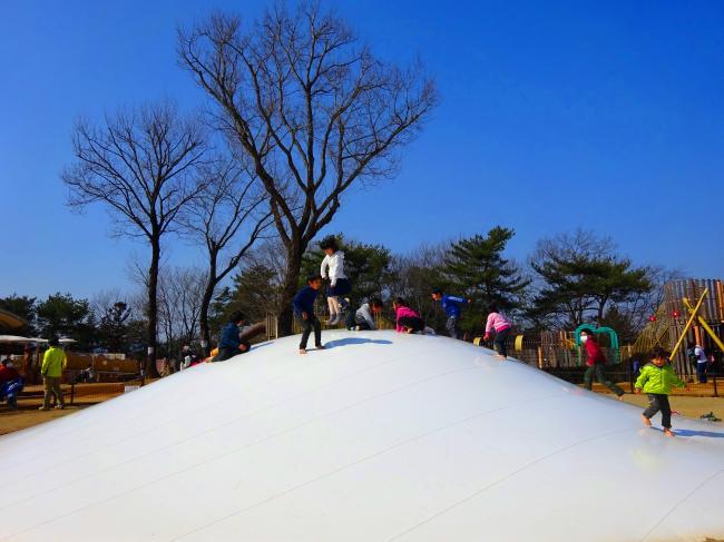 笠間芸術の森公園 のふわふわドーム