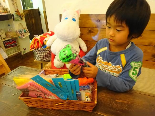 コジカフェ で子供が貰えるおもちゃ