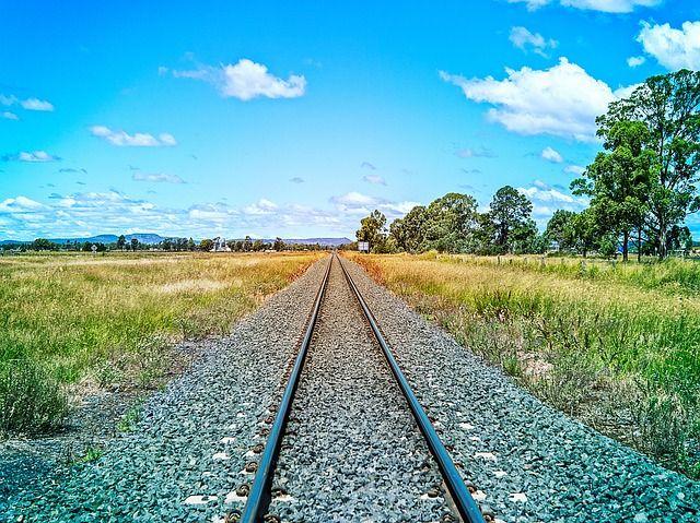train-tracks-1226546_640