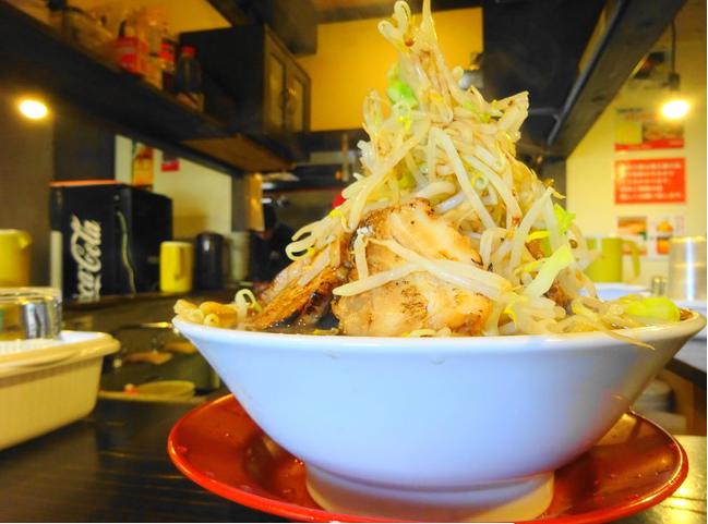 茨城 二郎系ラーメン 「豚斬りらーめん」でデカ盛りラーメン食べてきたよ! - いばらじお♪