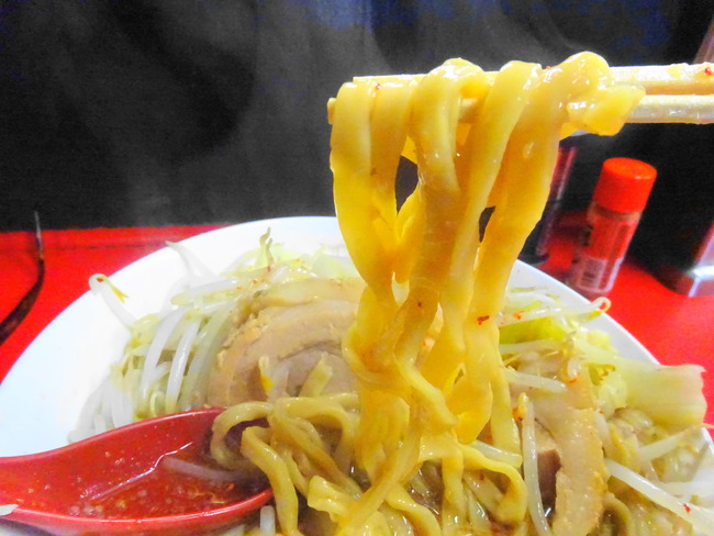 茨城 二郎系ラーメン 豚男の極太麺