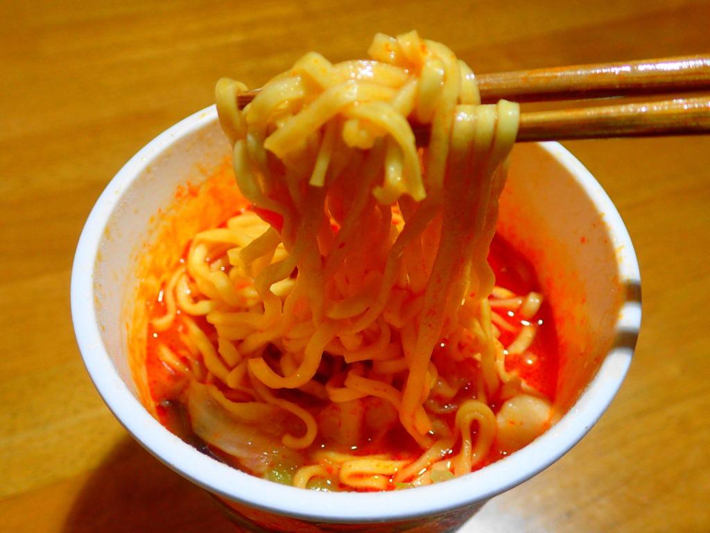 蒙古タンメン中本の麺