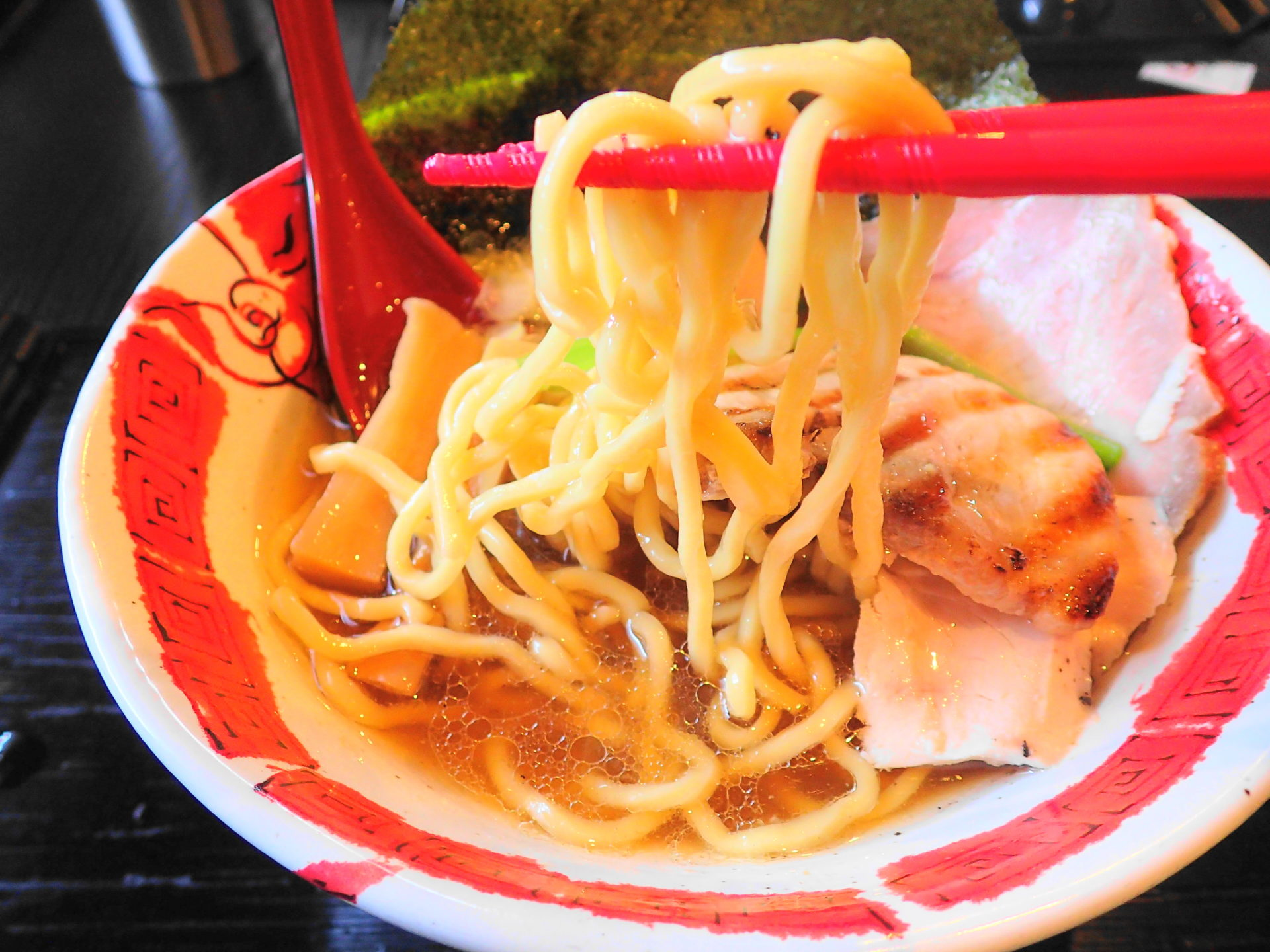 龍のひげ水戸|自家製麺が旨し!実食特製醤油ラーメン - いばらじお♪
