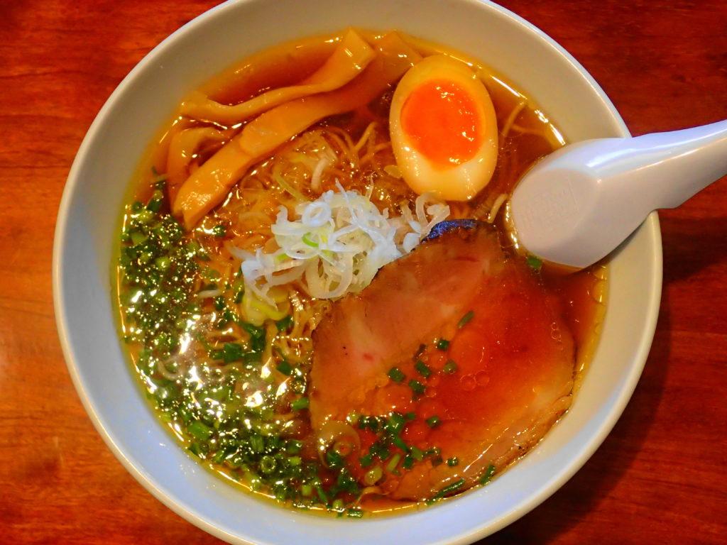 「麺屋千成」のラーメン