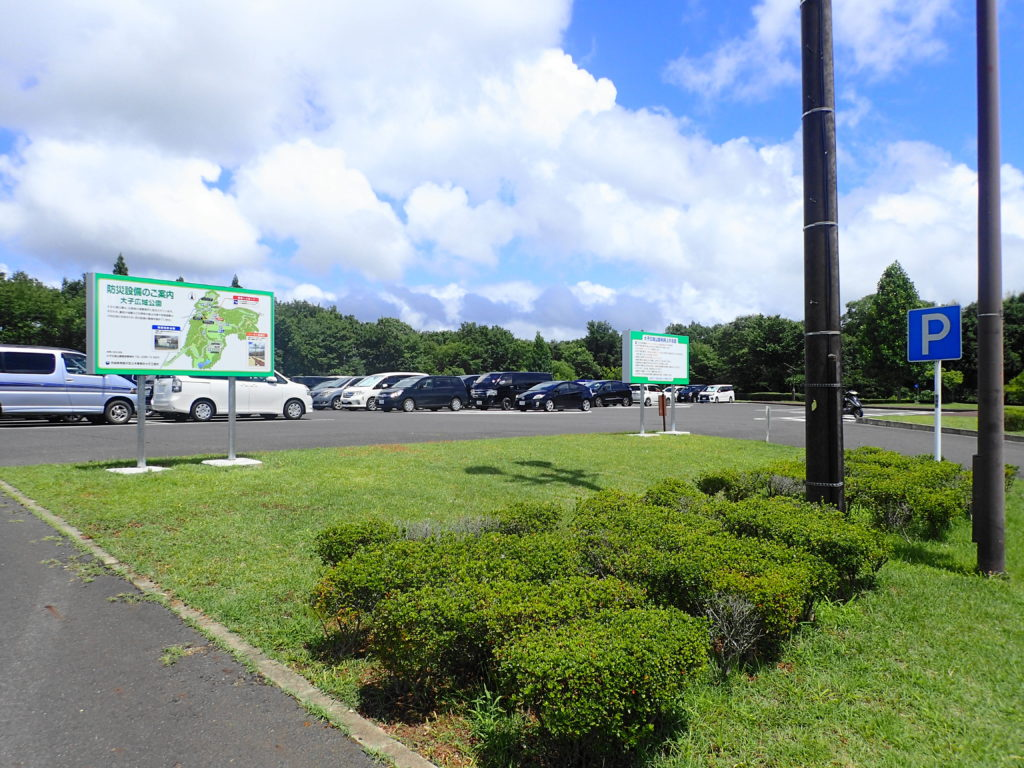 フォレスパ大子の駐車場