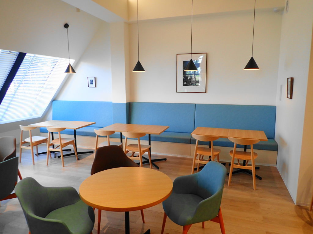 アトリエプティボアのカフェスペース