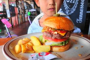 トゥーメッカのハンバーガー