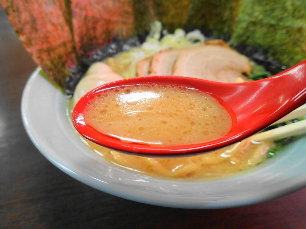 特藤豚骨醤油のスープ