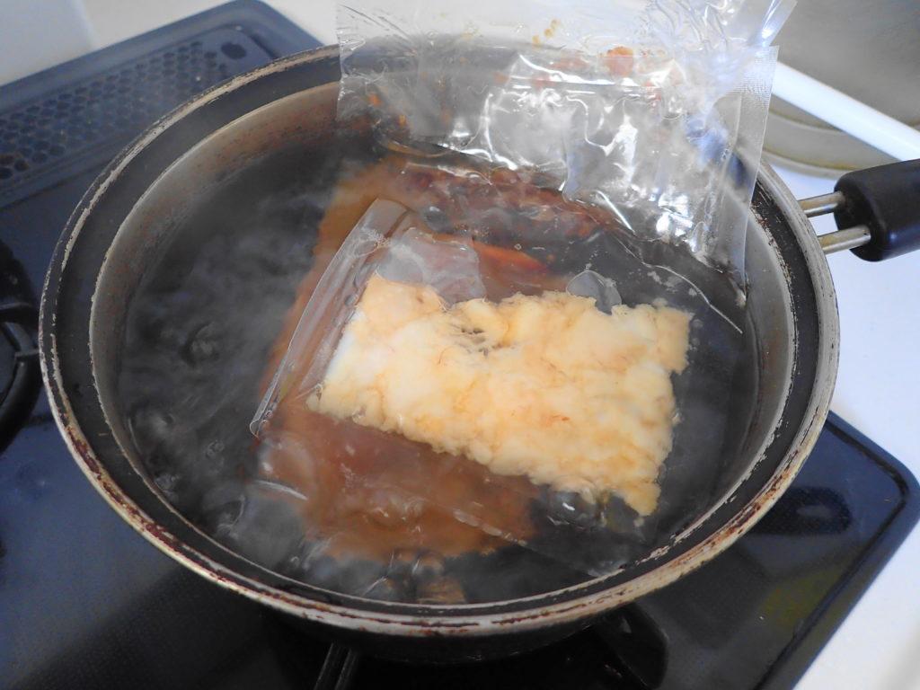 スープを湯煎