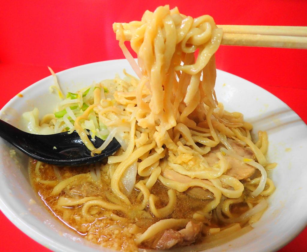 守谷 二郎 の麺をリフトアップ