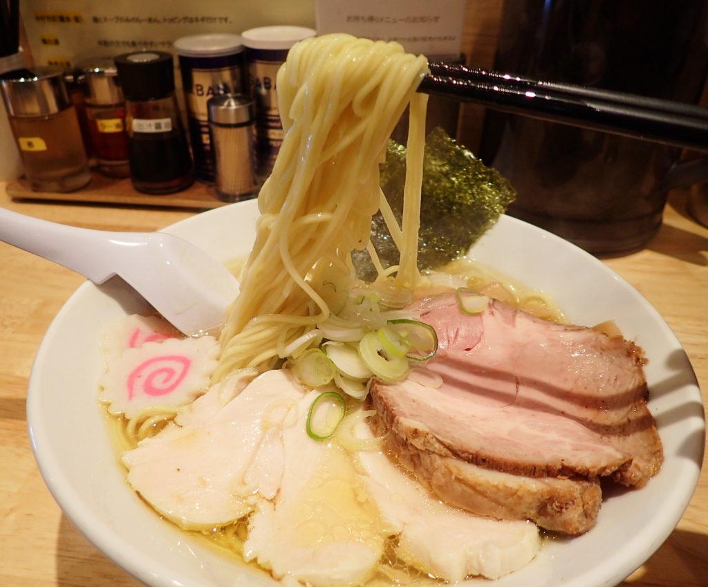 ふるかわ ラーメン の塩らーめんの麺