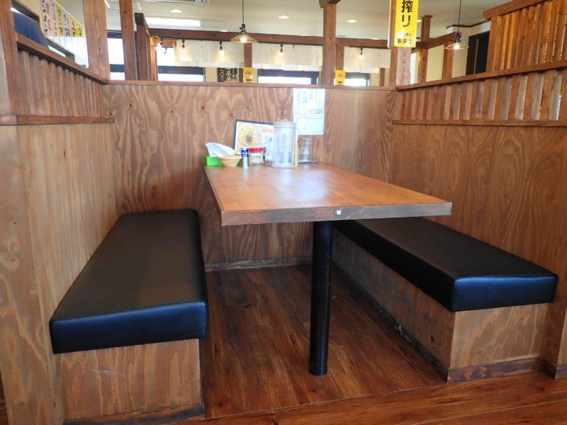 テーブル席(ボックス席)