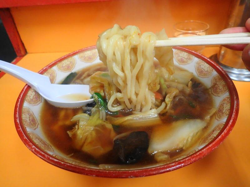 手打らーめん 大進 勝田 の麺