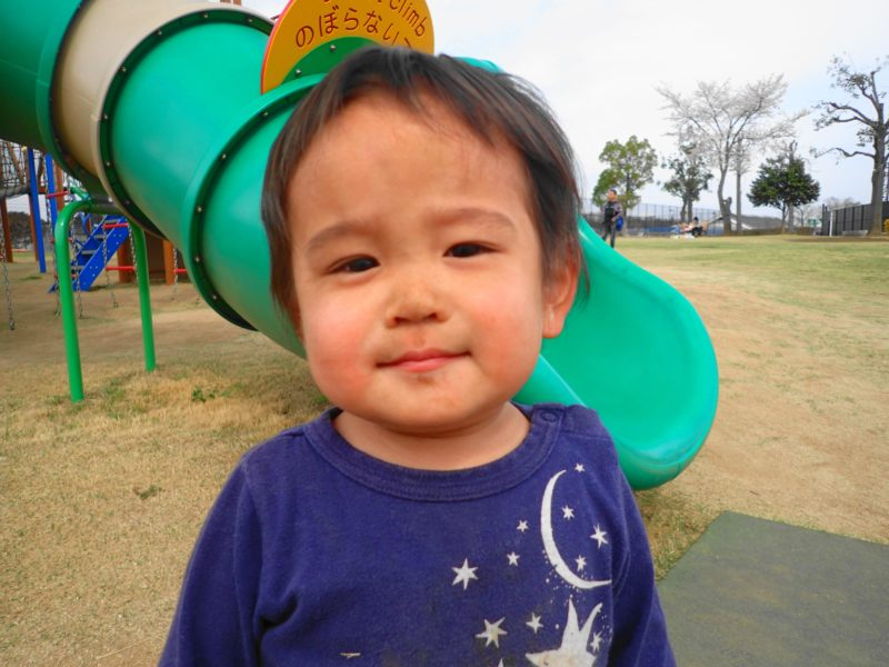 笠間市総合公園 遊具で遊ぶ子3