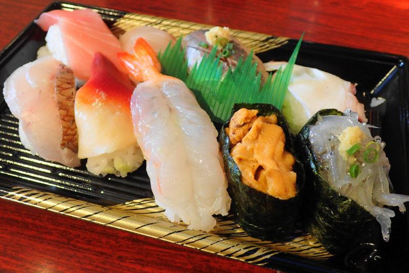 すしの丸藤 大洗水族館店 |フードコートおすすめランチ寿司 -