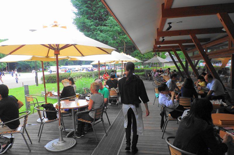 パークサイドカフェ上野 のテラス席
