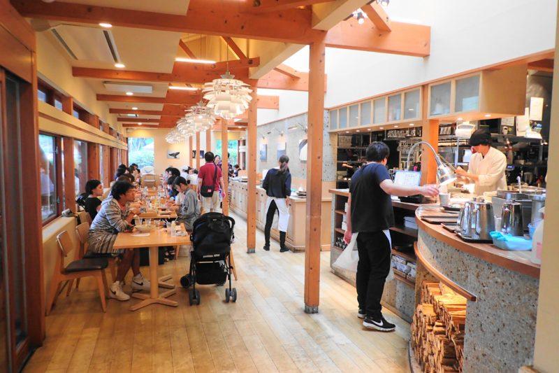 パークサイドカフェ上野 の店内