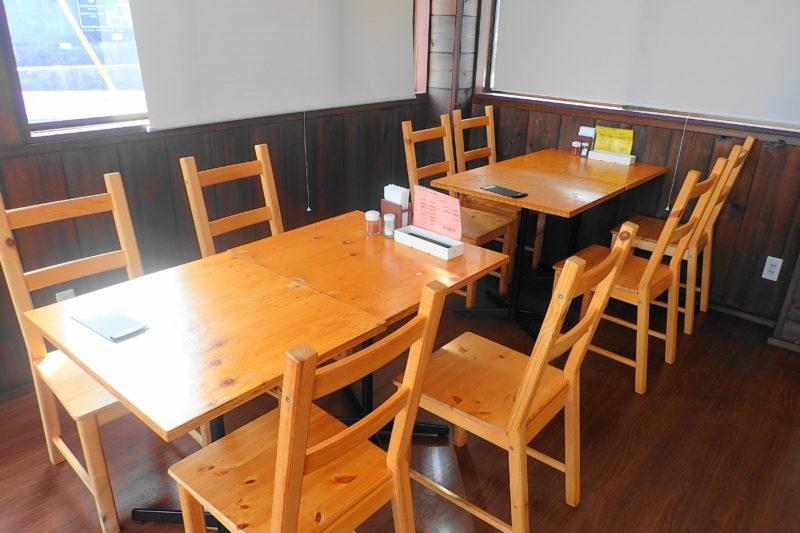 うどん製麺みきや のテーブル席