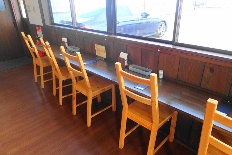 うどん製麺みきや のカウンター席