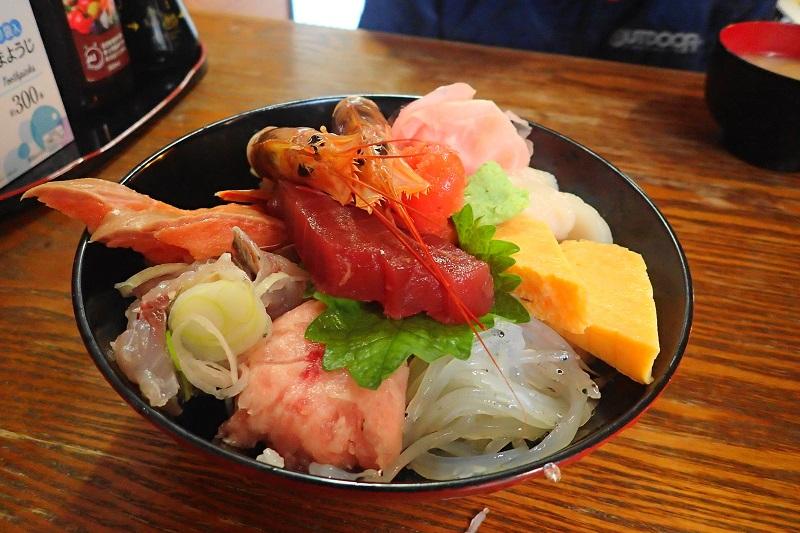味の食彩館 海鮮丼